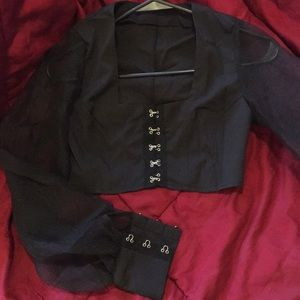 croptop with puffy sleeves